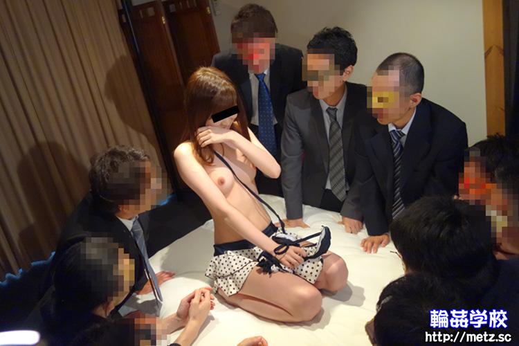 19歳の女の子「輪姦秘密倶楽部で男達の性処理」(ななさん)